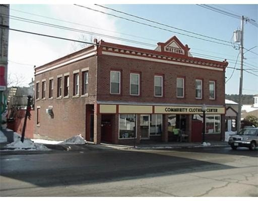 商用 为 销售 在 17 West Main Street 17 West Main Street Orange, 马萨诸塞州 01364 美国