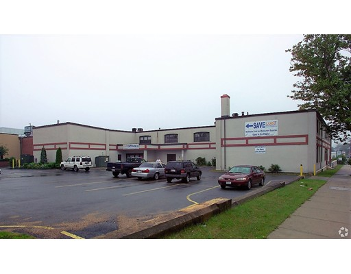 Comercial por un Venta en 376 Nash Road New Bedford, Massachusetts 02746 Estados Unidos