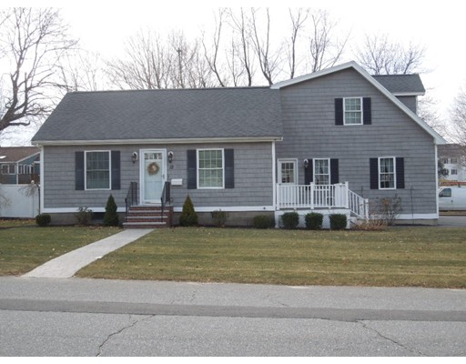 $435,000 - 3Br/4Ba -  for Sale in Chelmsford