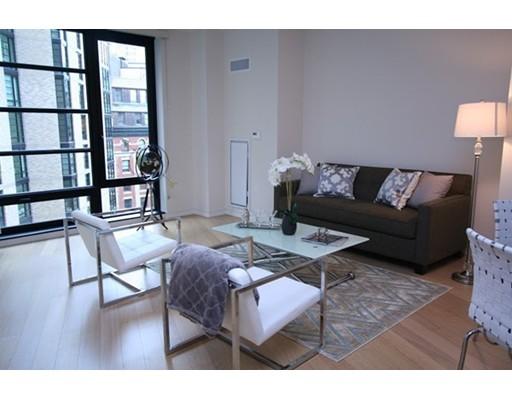 Condominium/Co-Op for sale in 580 Washington St Midtown, Boston, Suffolk