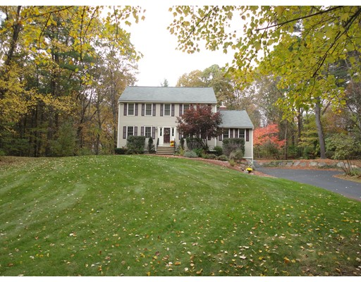 $584,900 - 4Br/3Ba -  for Sale in Westford