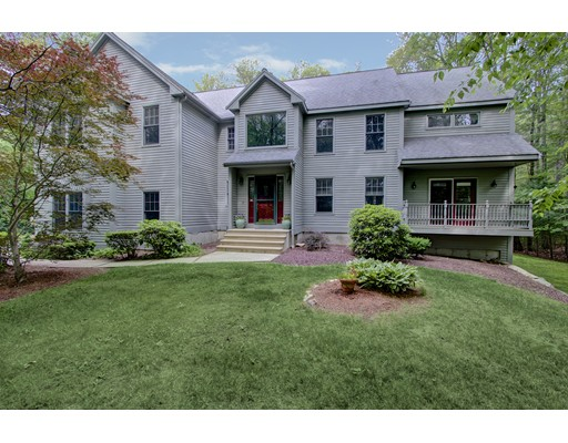 $699,999 - 4Br/5Ba -  for Sale in Holliston