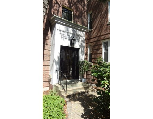 - 1Br/1Ba -  for Sale in Brookline