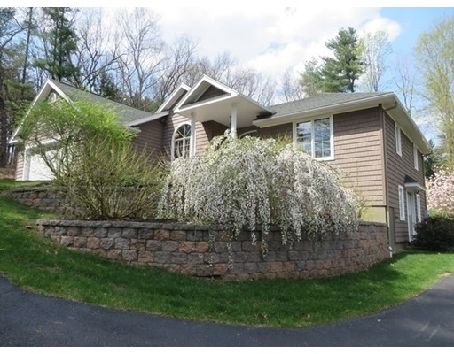 Casa Unifamiliar por un Venta en 720 Bernardston Road Greenfield, Massachusetts 01301 Estados Unidos