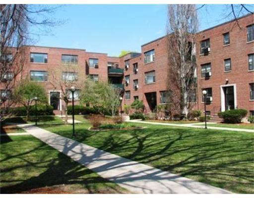Appartement en copropriété pour l à louer à 53 Harvard Avenue #4 53 Harvard Avenue #4 Brookline, Massachusetts 02446 États-Unis