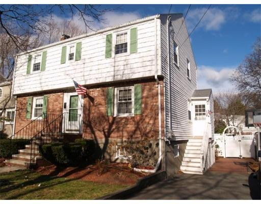 24 Perry Rd, Quincy, MA 02170