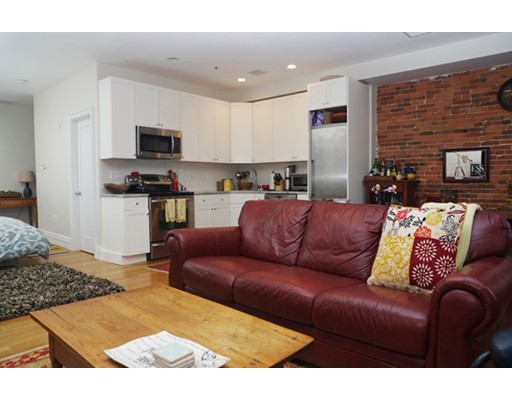 $510,000 - 1Br/1Ba -  for Sale in Boston