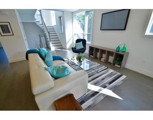 Luxury Condominium for sale in Davis Square Habitat, 102 , Somerville, Middlesex