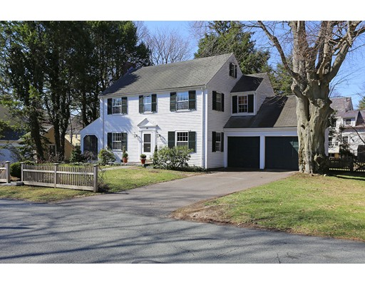 Property for sale at 10 Kirkland Cir, Wellesley,  MA 02481