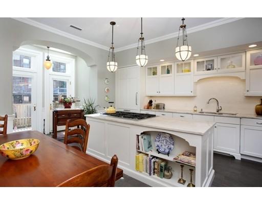 Luxury House for sale in 14 Rutland Sq South End, Boston, Suffolk