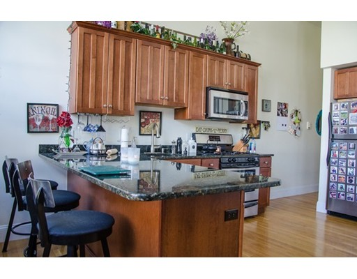 $409,000 - 2Br/3Ba -  for Sale in Everett