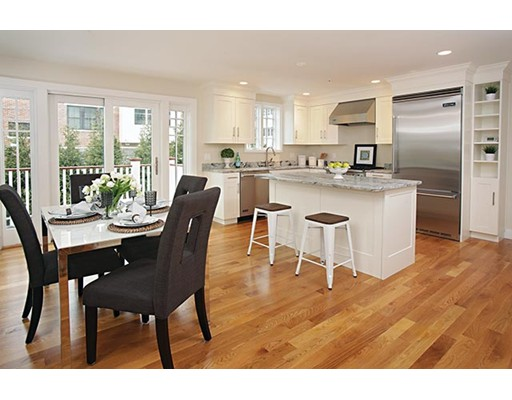 Additional photo for property listing at 30 Dwight Street 30 Dwight Street Brookline, Massachusetts 02446 États-Unis
