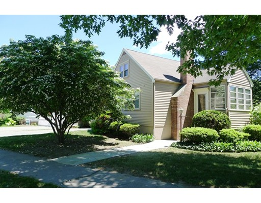 64 hoitt rd belmont ma cape for sale 689 000 for Dormered cape