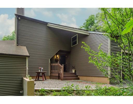 Частный односемейный дом для того Продажа на 99 Hines Road Cumberland, Род-Айленд 02864 Соединенные Штаты