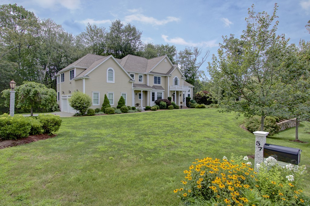 $849,900 - 4Br/6Ba -  for Sale in Holliston