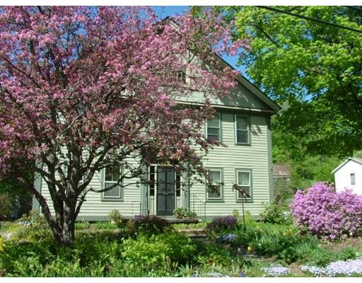 独户住宅 为 销售 在 47 Main Street Cummington, 马萨诸塞州 01026 美国