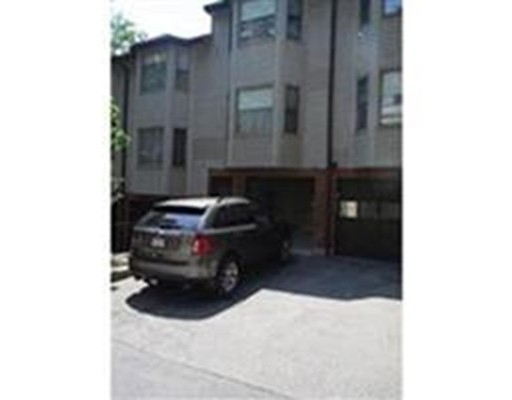 Additional photo for property listing at 70 Regent Circle 70 Regent Circle Brookline, Massachusetts 02445 États-Unis