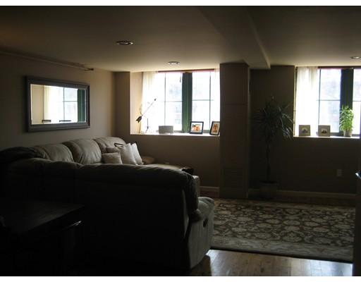 Real Estate for Sale, ListingId: 33522153, Lowell,MA01852