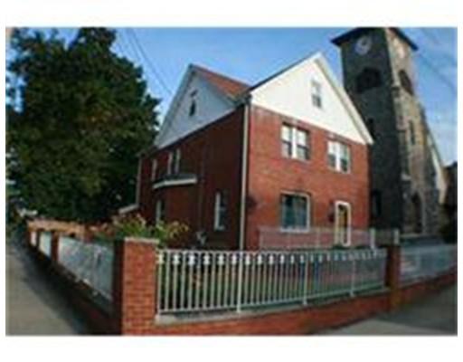 Частный односемейный дом для того Аренда на 63 Otis St #0 63 Otis St #0 Medford, Массачусетс 02155 Соединенные Штаты