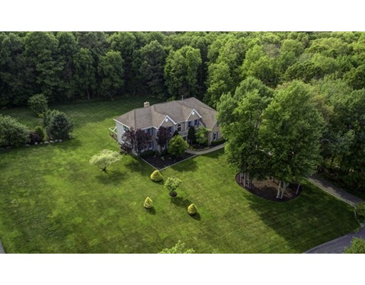 $949,500 - 5Br/6Ba -  for Sale in Holliston