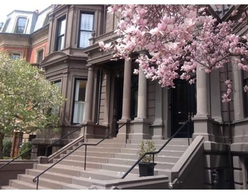 Luxury Condominium for sale in 23 Commonwealth Avenue Back Bay, Boston, Suffolk