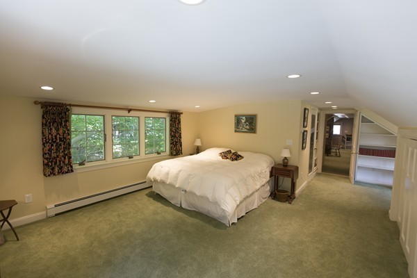 Photo #15 of Listing 756 Bay