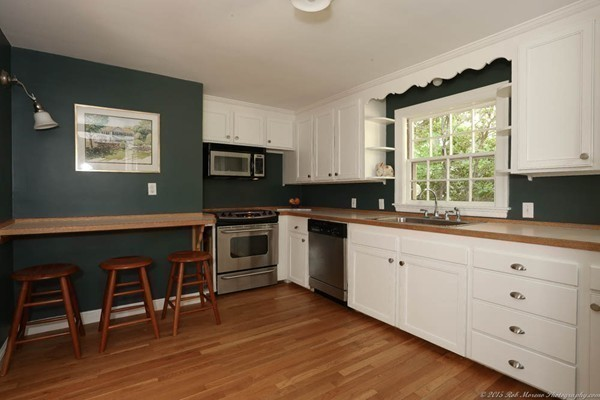 Photo #18 of Listing 756 Bay