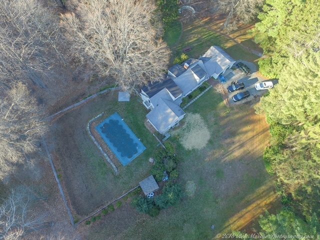 Photo #26 of Listing 756 Bay