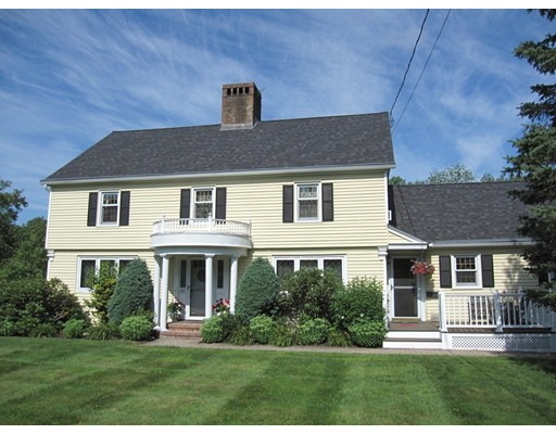 Maison unifamiliale pour l Vente à 628 Bernardston Road 628 Bernardston Road Greenfield, Massachusetts 01301 États-Unis