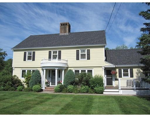 واحد منزل الأسرة للـ Sale في 628 Bernardston Road 628 Bernardston Road Greenfield, Massachusetts 01301 United States