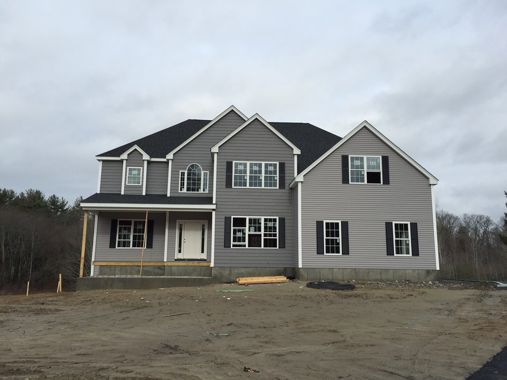 $749,900 - 4Br/4Ba -  for Sale in Holliston