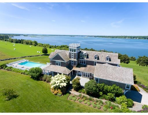 واحد منزل الأسرة للـ Sale في 667 Horseneck Road 667 Horseneck Road Westport, Massachusetts 02790 United States