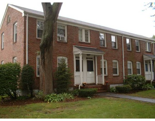 1578  Memorial Ave,  West Springfield, MA