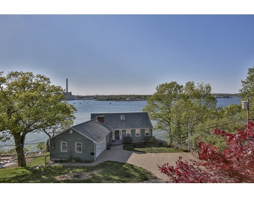 Casa Unifamiliar por un Venta en 73 Naugus Avenue Marblehead, Massachusetts 01945 Estados Unidos