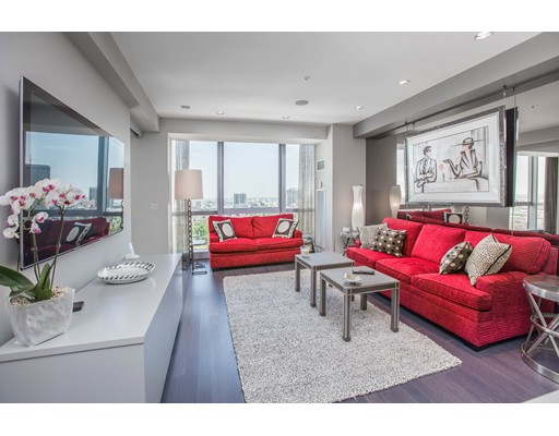 Luxury Condominium for sale in 110 Stuart Street Back Bay, Boston, Suffolk