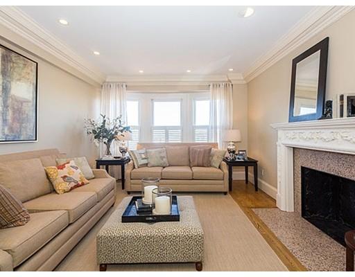 Luxury Condominium for sale in Lafayette Condominium, 22-24 Back Bay, Boston, Suffolk