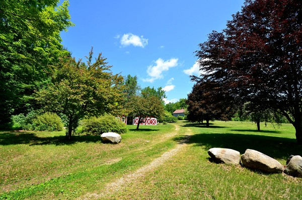 Photo #9 of Listing 916 Quarry Road