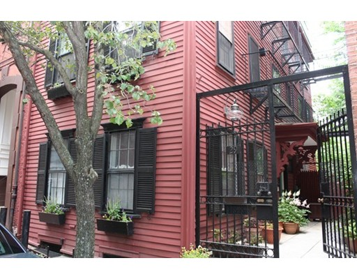 $1,595,000 - 2Br/2Ba -  for Sale in Boston