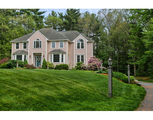 $724,900 - 4Br/3Ba -  for Sale in Chelmsford