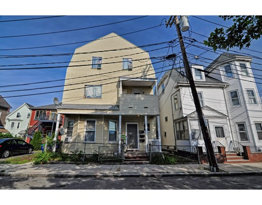 Luxury House for sale in 20 Carlton St , Somerville, Middlesex