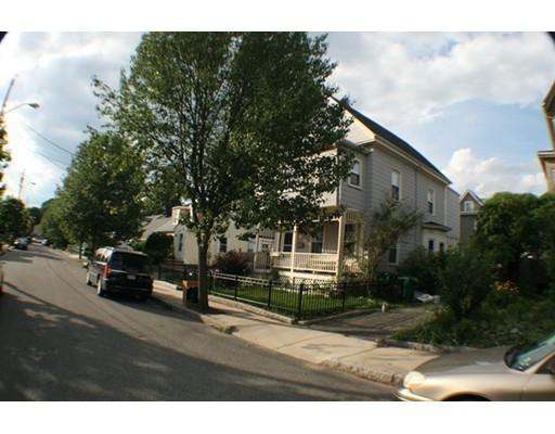 Casa Unifamiliar por un Alquiler en 26 Lincoln St. #0 26 Lincoln St. #0 Medford, Massachusetts 02155 Estados Unidos