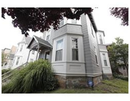 Additional photo for property listing at 14 Elton Street 14 Elton Street Boston, Massachusetts 02125 Estados Unidos