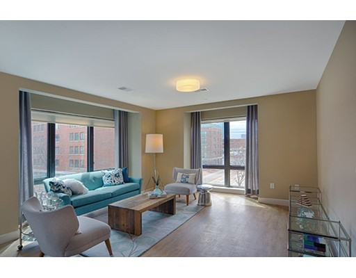 Additional photo for property listing at 33 Rogers Street 33 Rogers Street Cambridge, Massachusetts 02142 Estados Unidos