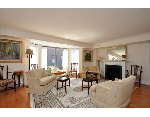 $825,000 - 1Br/2Ba -  for Sale in Boston