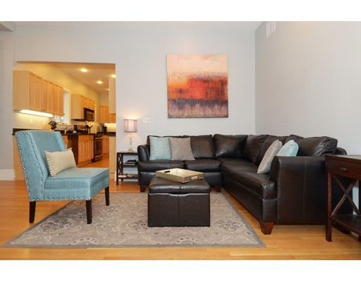 Property for sale at 39 Chestnut St Unit: 2R, Stoneham,  MA 02180