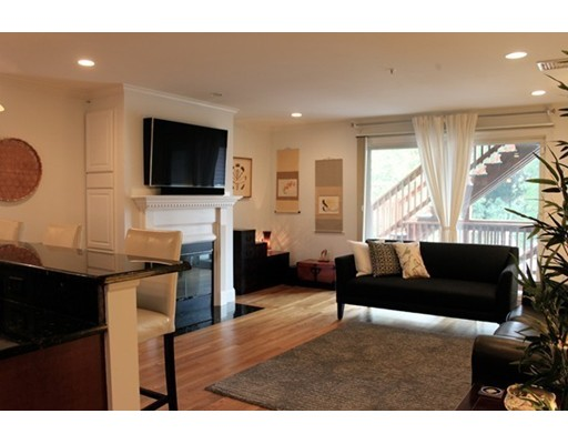 Townhome / Condominium للـ Rent في 108 Main Street 108 Main Street Boston, Massachusetts 02129 United States