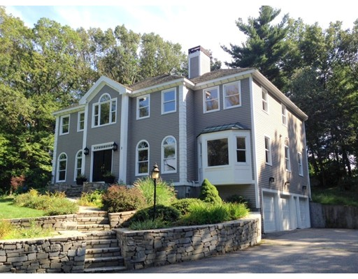$729,900 - 4Br/3Ba -  for Sale in Chelmsford