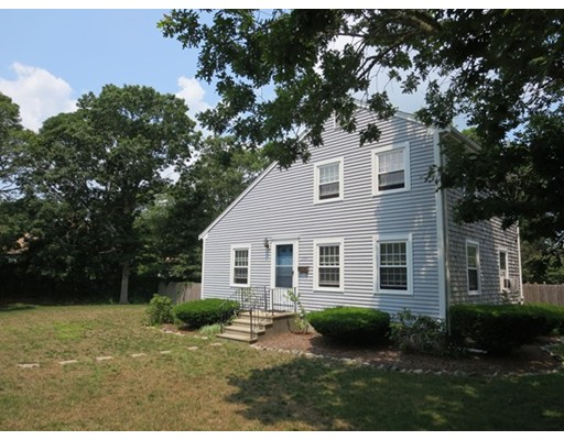 335  Long Pond Dr,  Yarmouth, MA