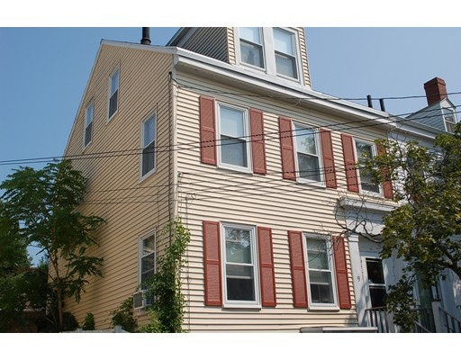 9  Fair St,  Newburyport, MA
