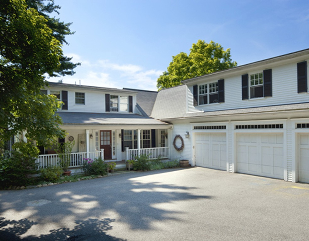 $1,250,000 - 7Br/4Ba -  for Sale in North Andover